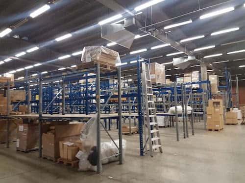 hangar goederen opkopen verkopen leegmaken magazijn